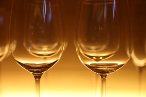 glasses-wine-glasses-eat-restaurant-60554